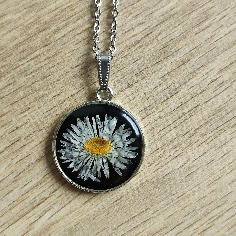 Virágóra- százszorszép női nyaklánc