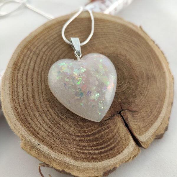 Babypink opál hatású szív nyaklánc